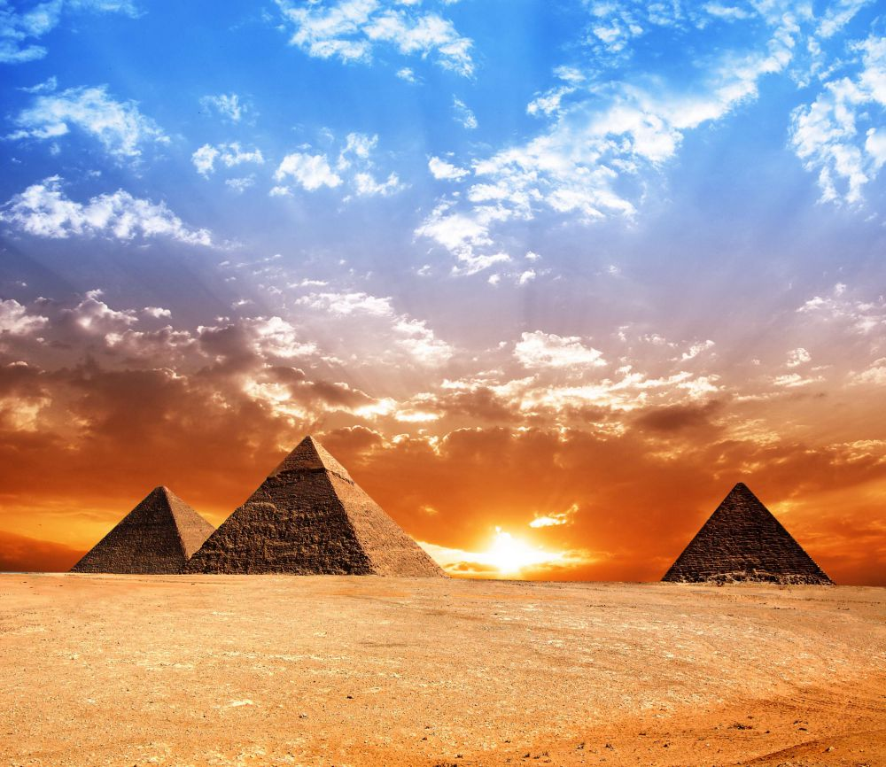 egypt, pyramids and the earth